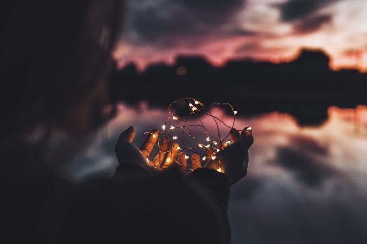 夜に映える光