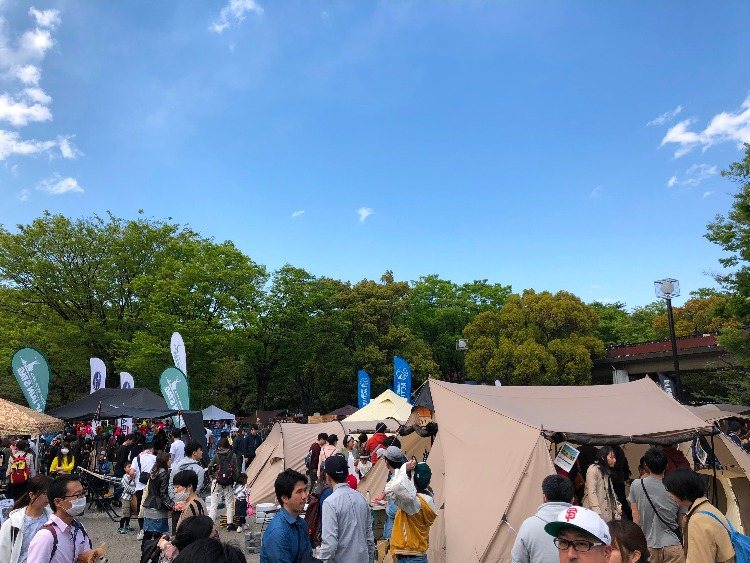 OUTDOOR DAY JAPANの賑わった風景