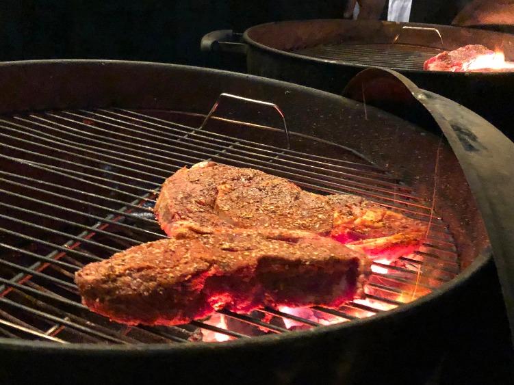 ミディアムレアのステーキ