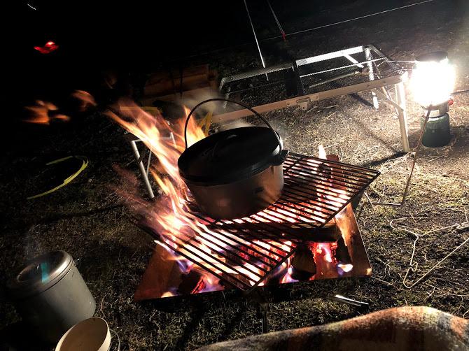 ダッチオーブンと焚火